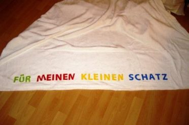 Decke selbst gestalten mit Schriftzug