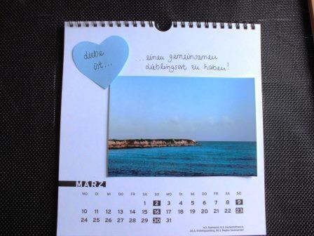 Persönliches Hochzeitsgeschenk - Schriftzug auf einem Herz und auf der Kalenderseite
