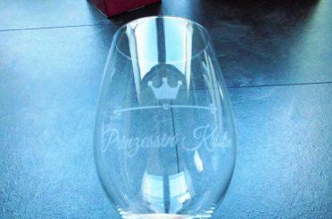 Weinglas mit Gravur für Wein-Liebhaber im Vergleich