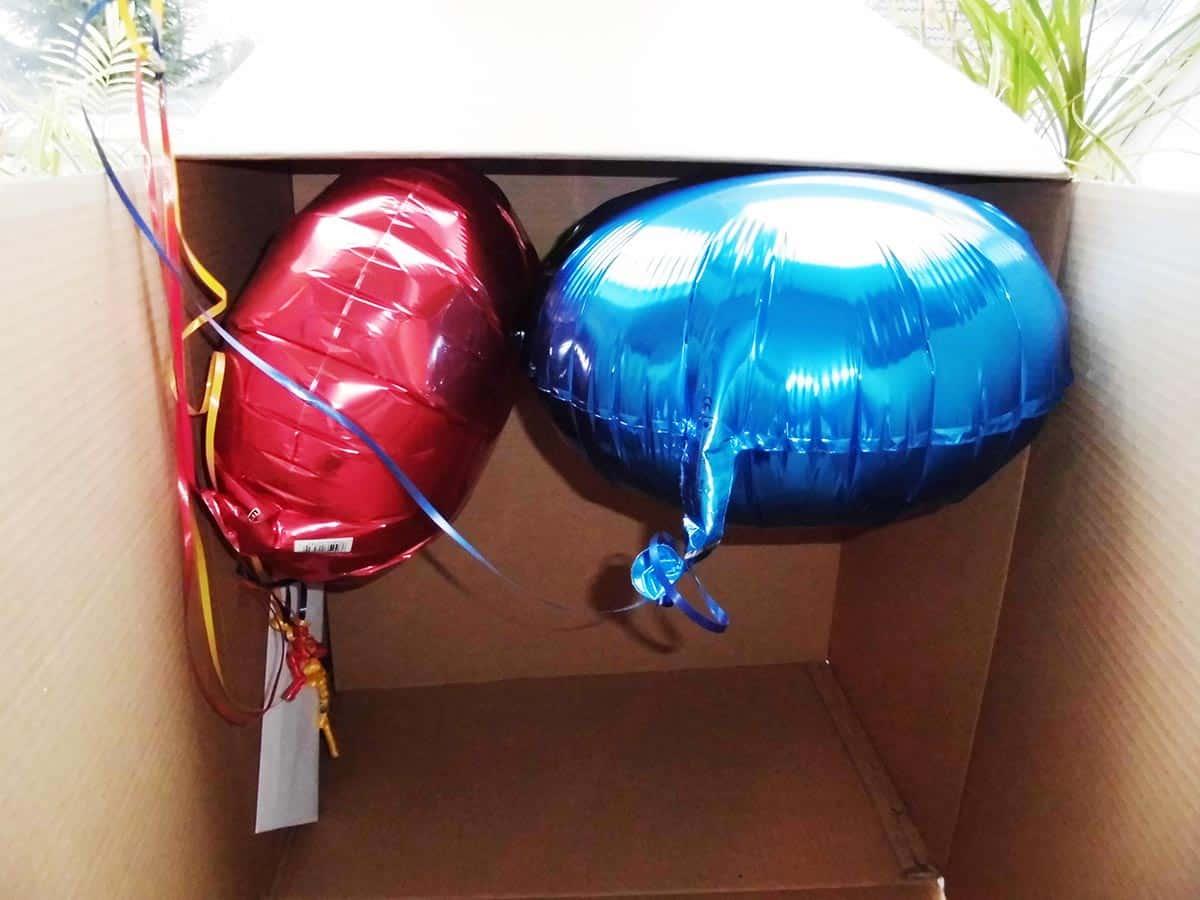 Die Geschenkballons fliegen Euch beim Öffnen der Verpackung entgegen
