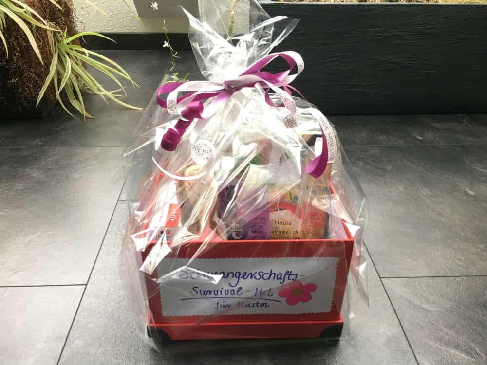 geschenk zur schwangerschaft schwangerschafts survival kit geschenkelilly. Black Bedroom Furniture Sets. Home Design Ideas