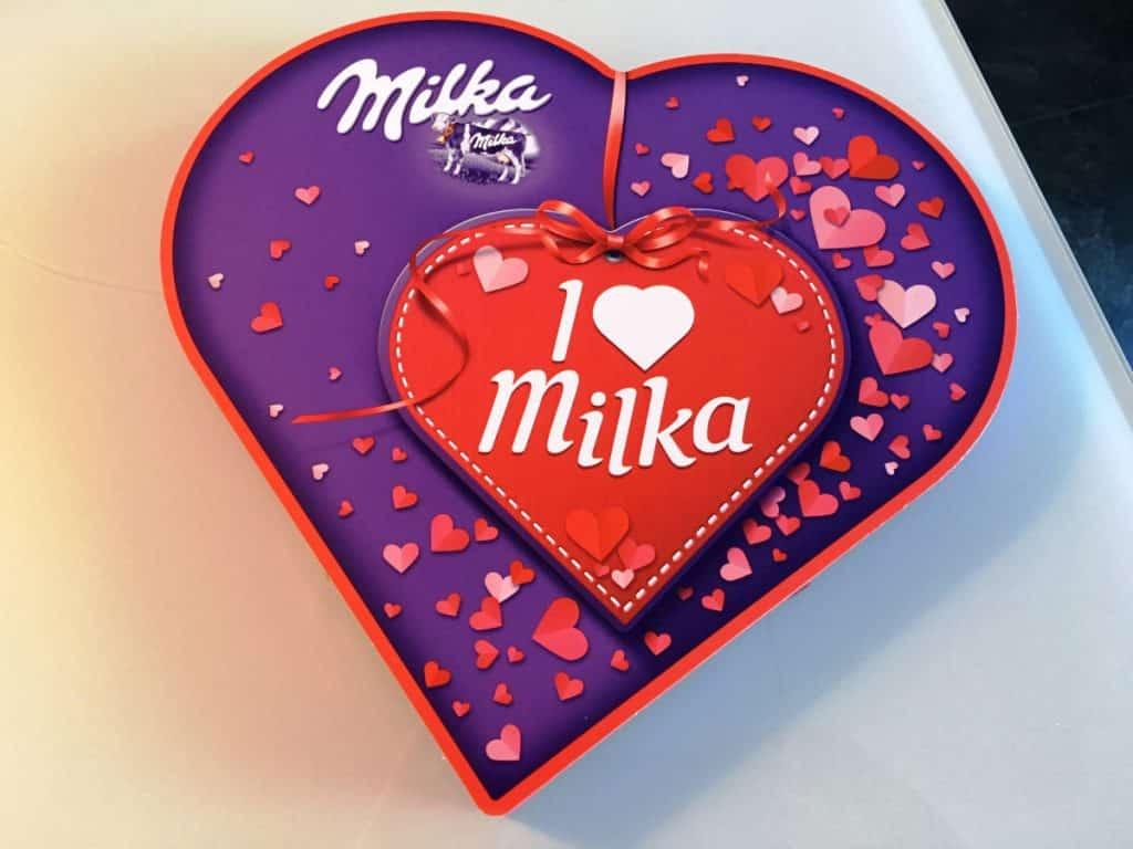 I love Milka Herz mit 30 Nuss-Nougat-Crème Pralinen